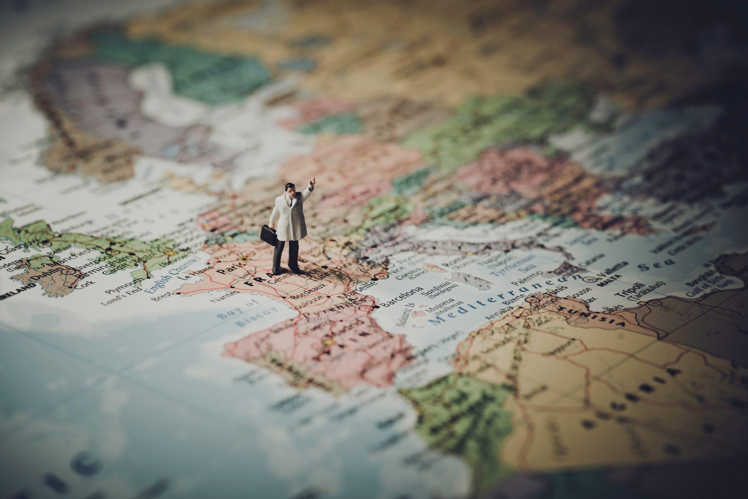 europa y viajar con adeslas ciudad real